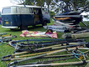 Llegamos a Calima con equipos de windsurf