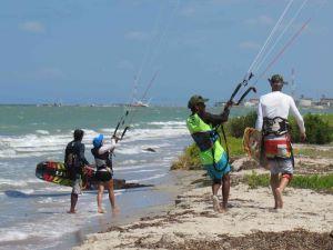 Mayapo-Kite-caddy-service