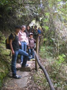 Niños-A-Guatavita-Laguna