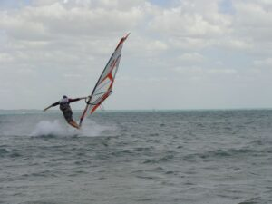 Windsurf in flat water