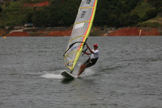 Competencia windsurf